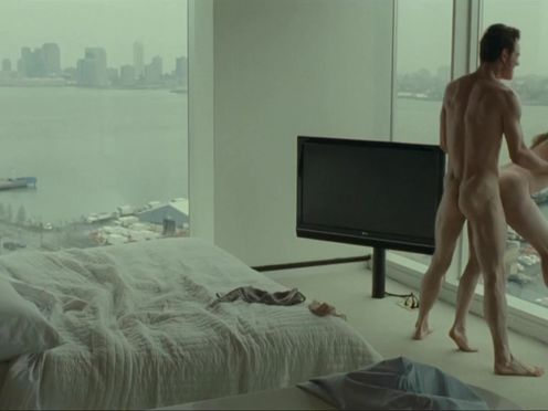 Любовник долбит блонду у панорамного окна