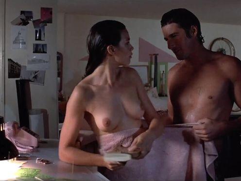 Красавчик пытался заняться сексом с подружкой, но автоответчик все испортил
