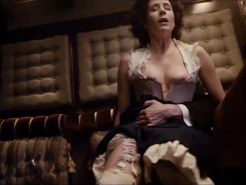 Страстный аристократический секс в поезде