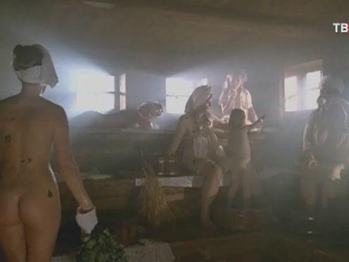 Русские женщины парятся в бане