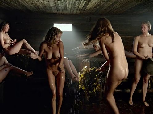 Голые древенские девки в русской бане
