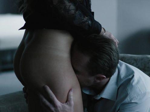 Проститутка дает отлизать себе и ощутить ее вкус